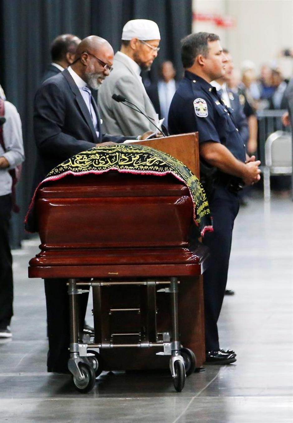 Personalidades han asistido al funeral de Muhammad Ali. (Foto: EFE)
