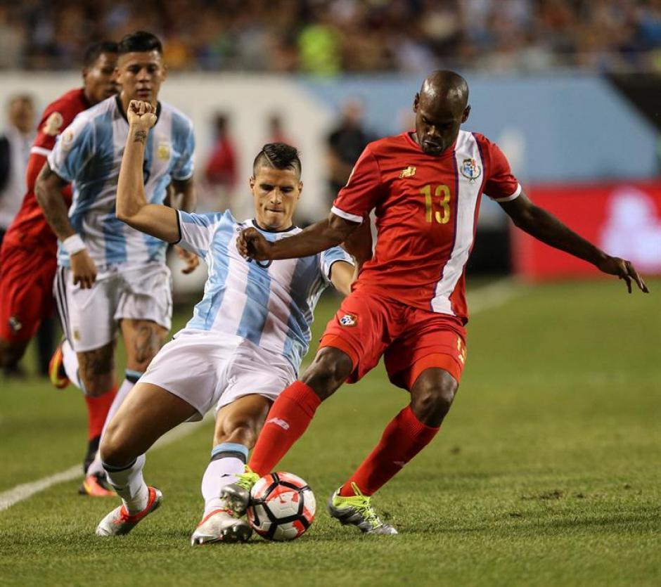 Pese a el juego fuerte de los panameños Argentina fue superior. (Foto: EFE)