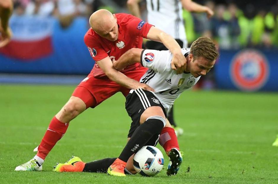 Los alemanes nunca pudieron descifrar el esquema defensivo de Polonia. (Foto: EFE)