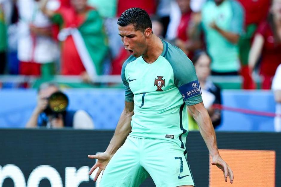 Cristiano celebra uno de sus goles (EFE)
