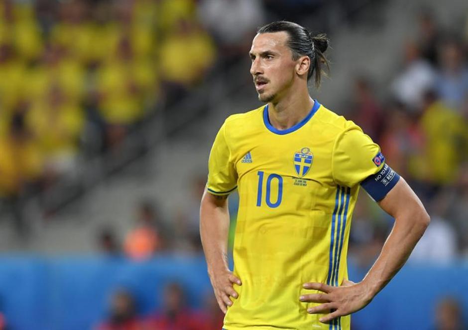 Zlatan se despide de su selección muy decepcionado (EFE)