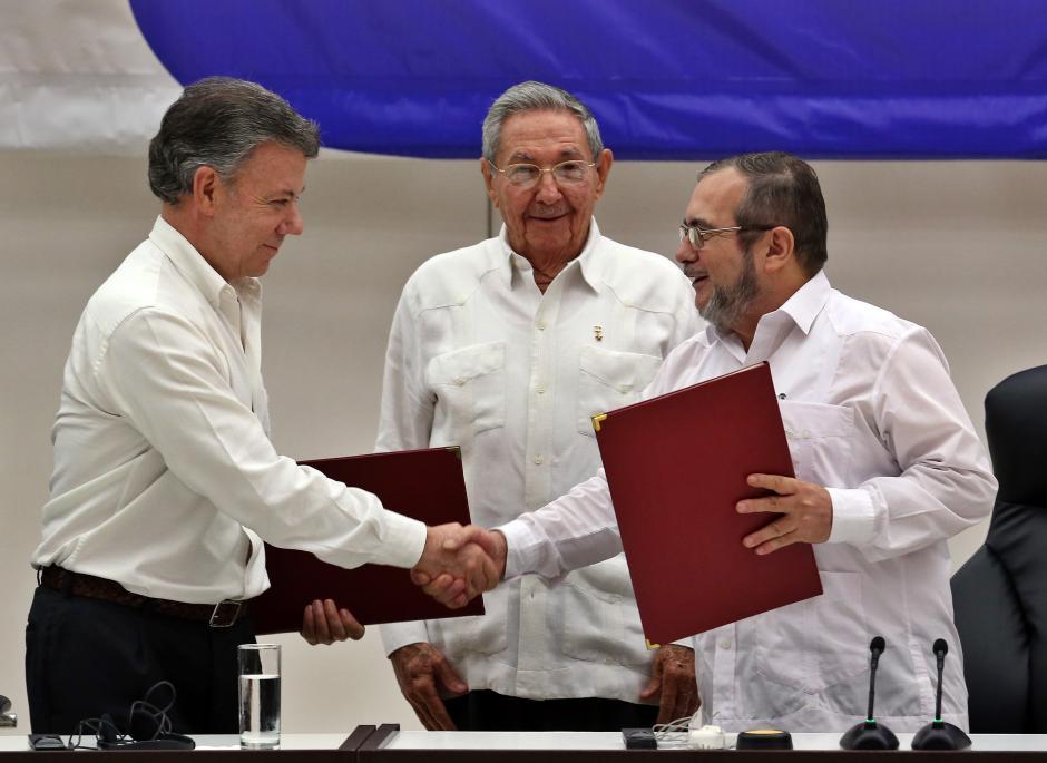 La Habana de Raúl Castro fue el escenario de la firma histórica. (Foto: EFE)