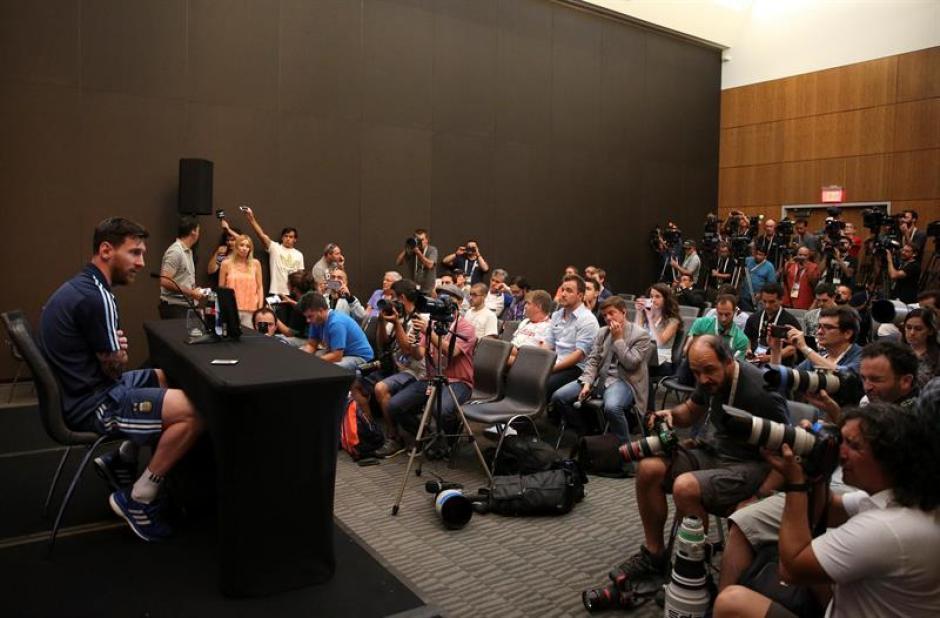 La conferencia de prensa estuvo repleta (EFE)