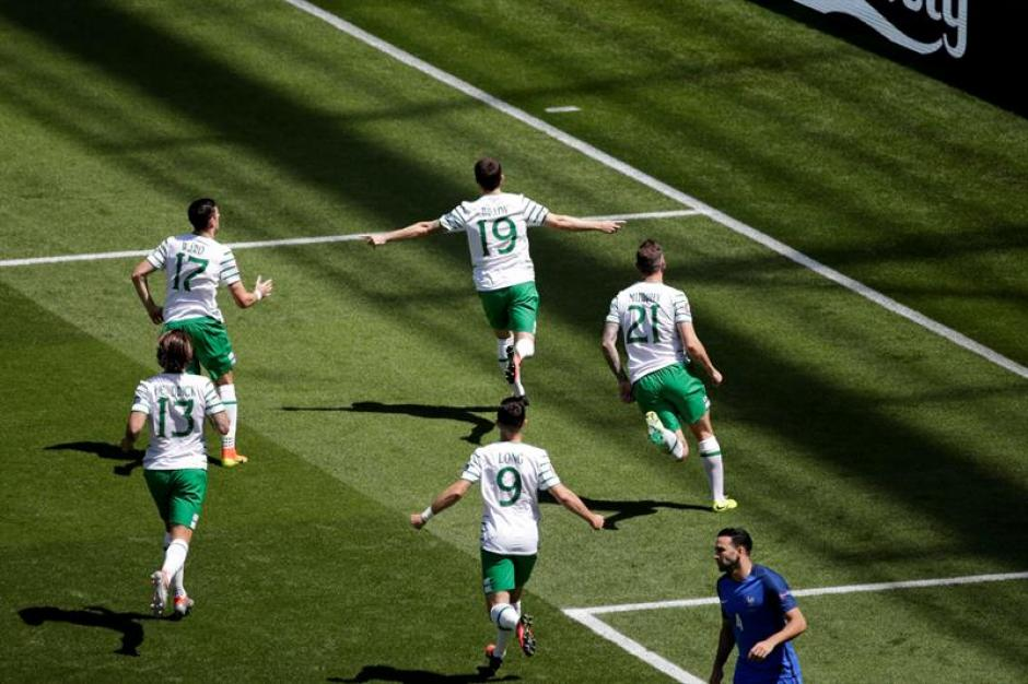 Los irlandeses tuvieron esperanza hasta el segundo tiempo. (EFE)