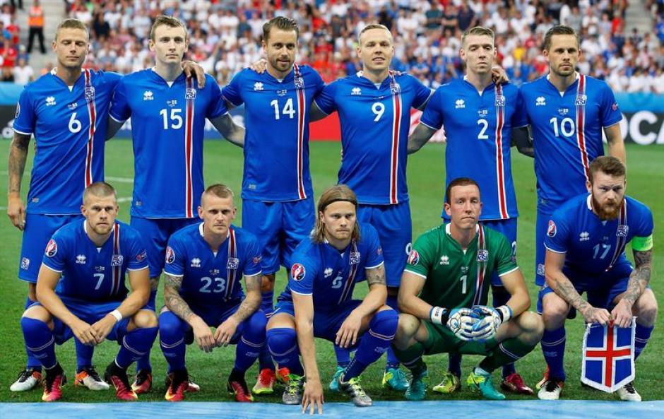 El equipo titular de Islandia en esta Eurocopa (EFE)