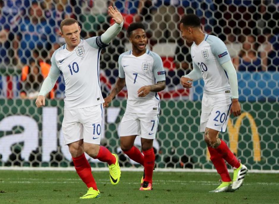 Rooney marcó de penal al minuto tres pero no sirvió. (Foto: EFE)