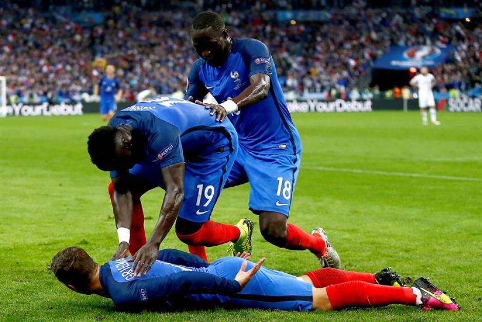 Francia goleó sin problemas a Islandia (EFE)