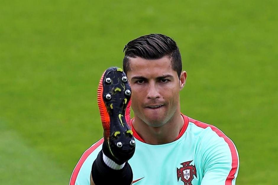 Por otro lado, Ronaldo sueña con ganar la Euro y también repetir el Balón de Oro. (EFE)