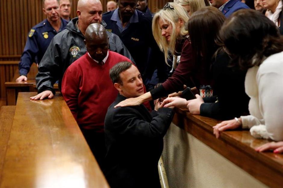 Pistorius fue condenado a seis años de prisión por el asesinato a disparos de su novia. (Foto: Efe)