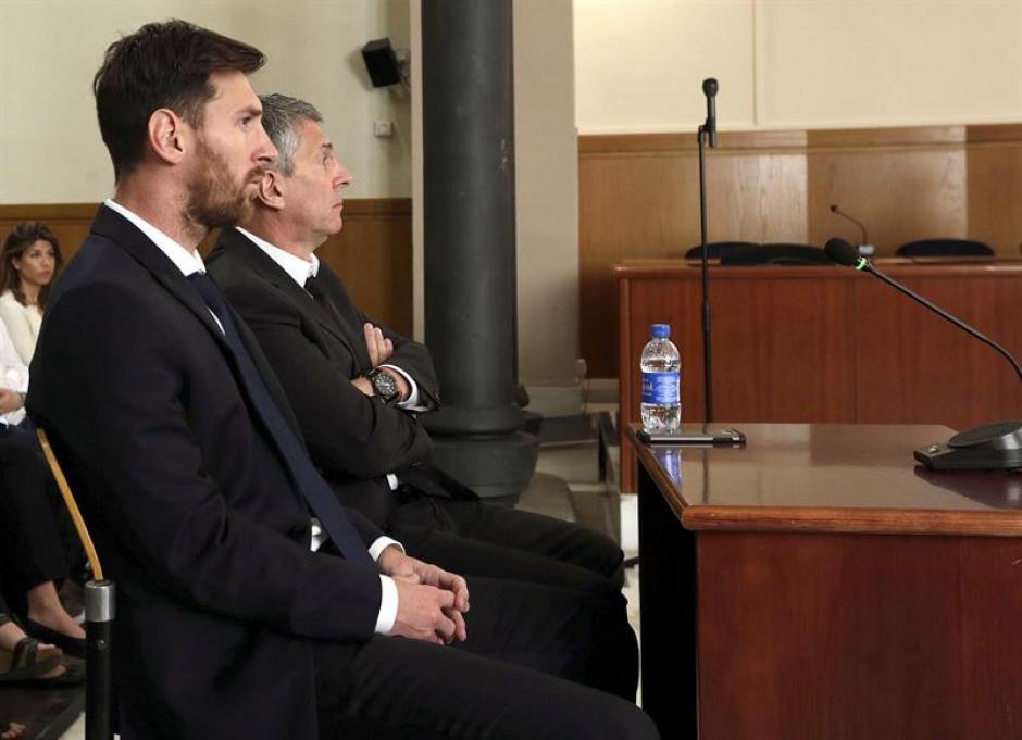 Lio Messi y su padre fueron condenados a 21 meses de prisión. (Foto: EFE)