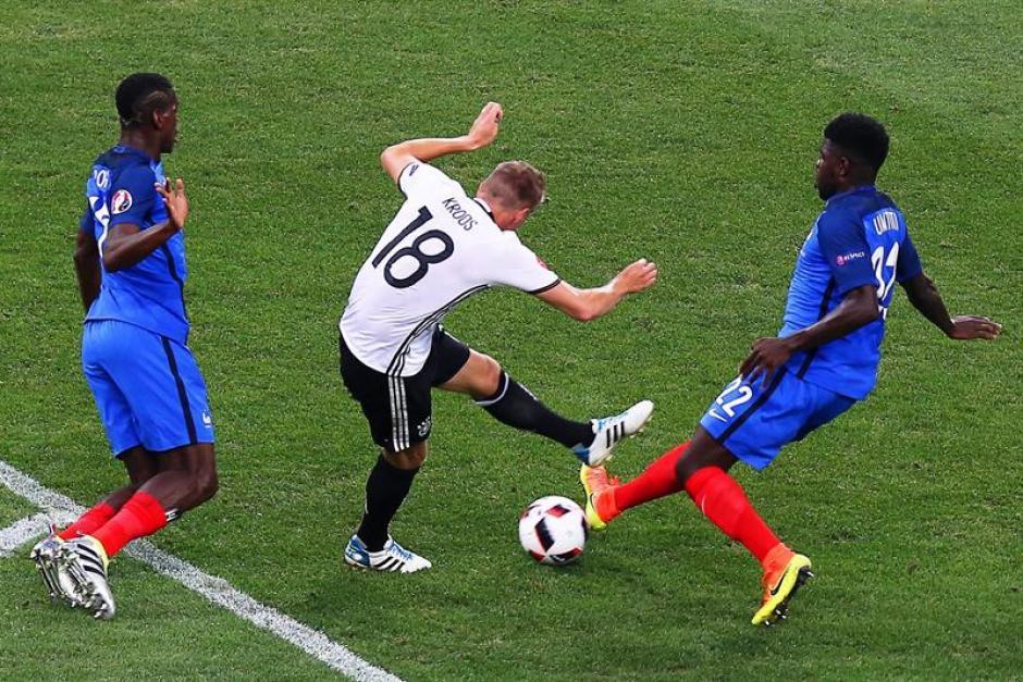 El defensa francés recién disputó la Euro con Francia. (EFE)