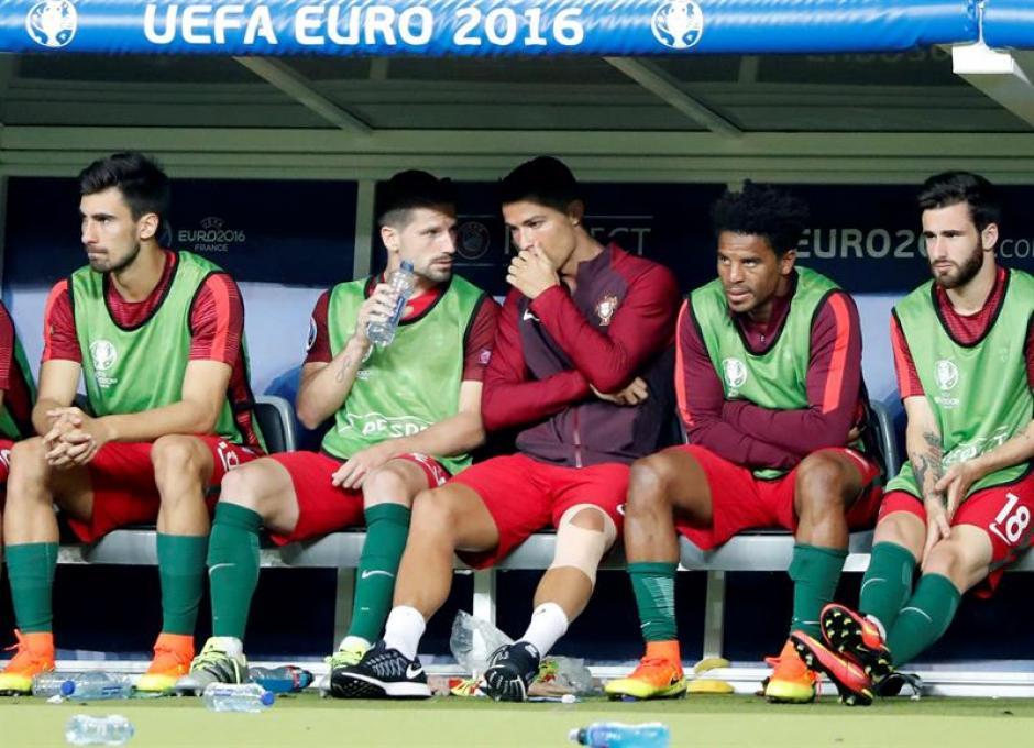 Cristiano volvió después de su lesión y casi ejerció de 'entrenador' (Foto: EFE)