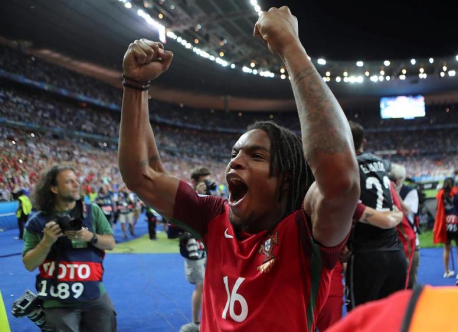 Renato Sanches se llevó el premio al mejor jugador joven. (EFE)