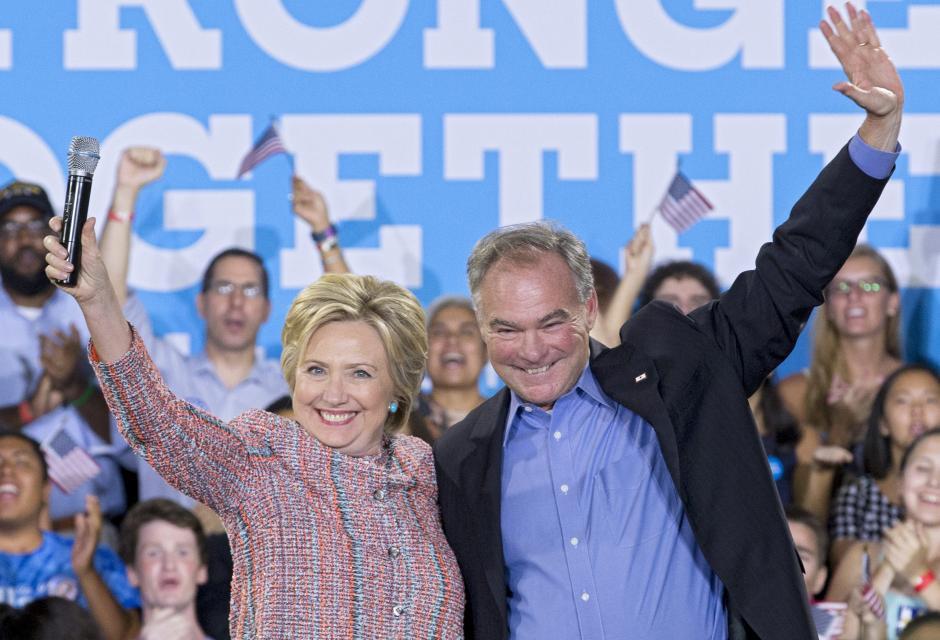 El 14 de julio Clinton estuvo en un mitin en Virginia junto al senador. (Foto: EFE)