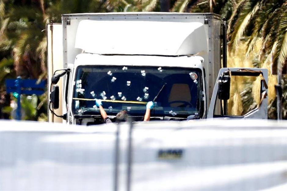 El conductor alquiló el camión frigorífico en Saint-Laurent-du-Var, un pueblo cercano a Niza.(Foto: EFE)