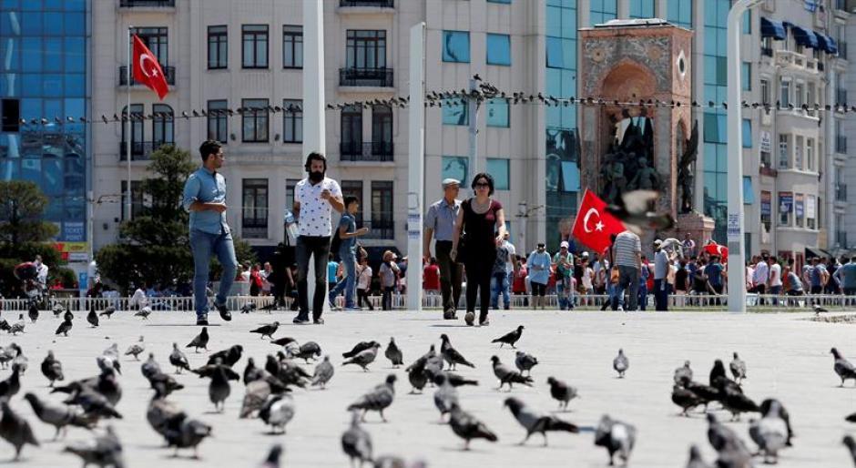 La calma ha regresado a las calles de Estambul y todo funciona con normalidad. (Foto: EFE)