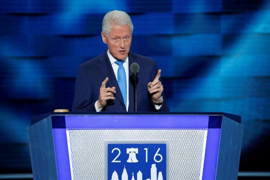 Bill Clinton dijo que Hillary ha hecho un gran trabajo como madre. (Foto: EFE)