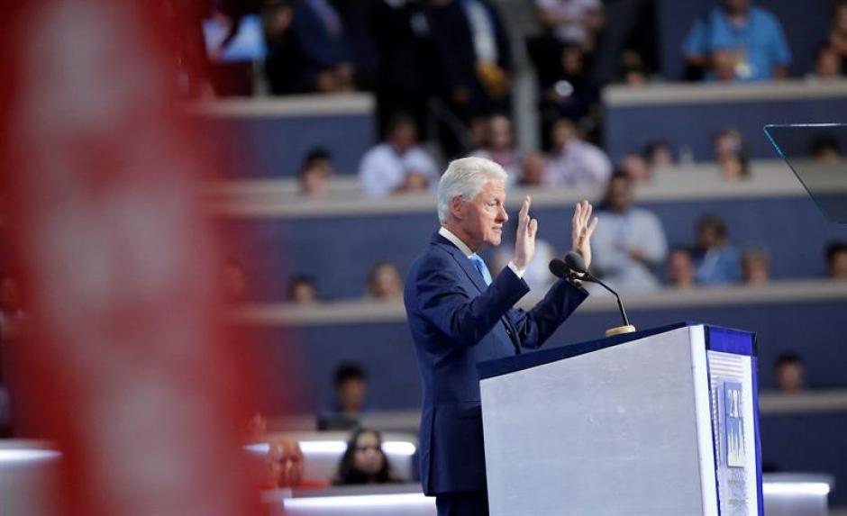 Bill Clinton dio el discurso que dio su esposa en 1992 por él. (Foto: EFE)