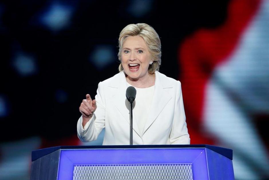 Según el sondeo de CBS, uno de los problemas de la candidata es la mala opinión de los estadounidenses sobre ella. (Foto: EFE)