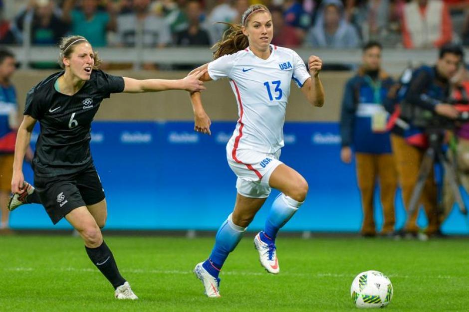 En el partido Alex Morgan intentó hacer goles. (Foto: EFE)