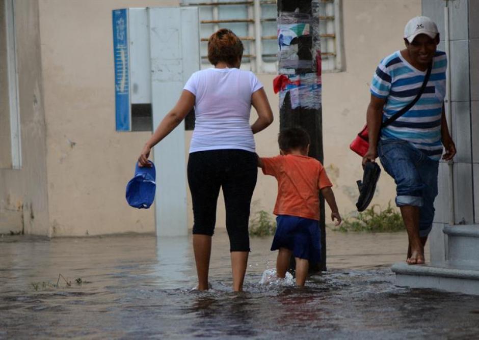 Los efectos de la tormenta Earl dejaron 45 muertos. (Foto: EFE)