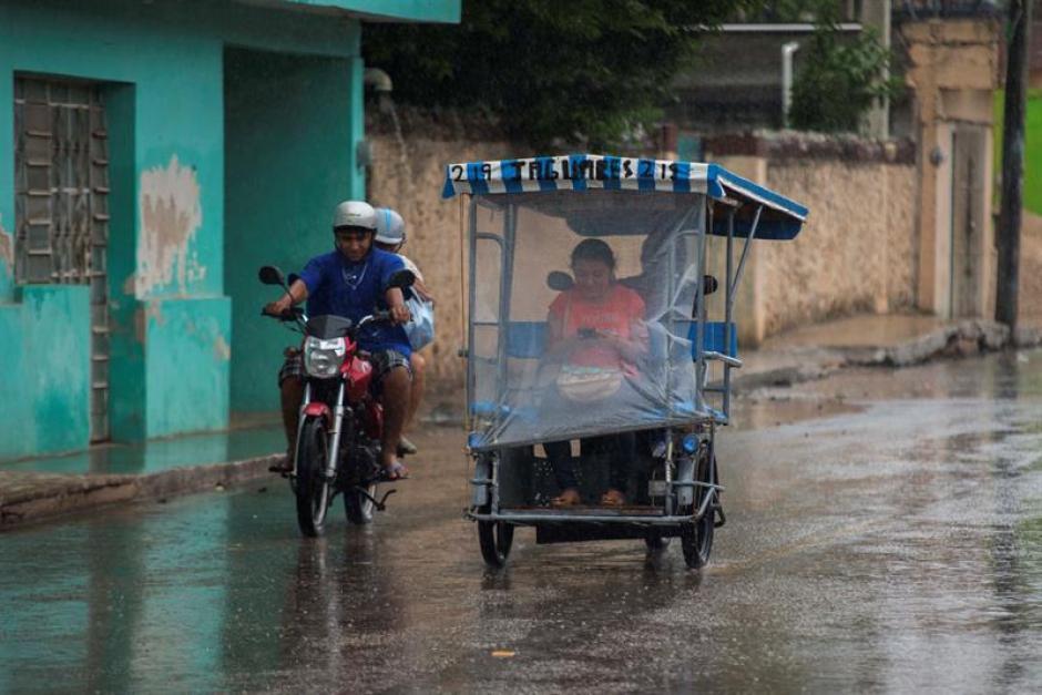 Las fuertes lluvias e inundaciones causaron estragos. (Foto: EFE)