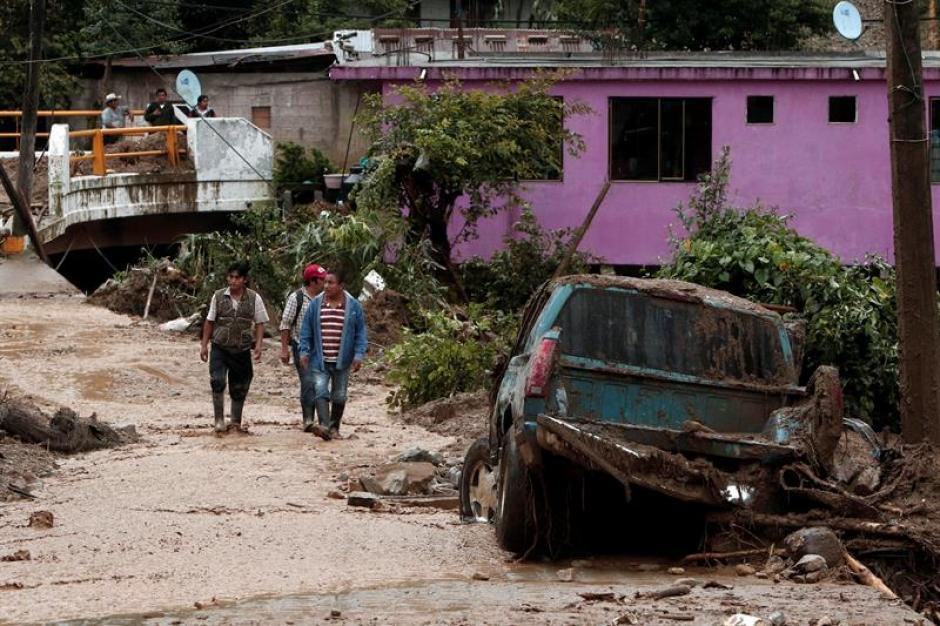 Varias casas se vieron afectadas. (Foto: EFE)