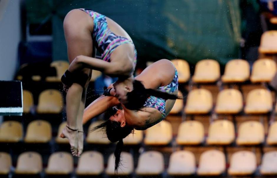 Ingrid y Giovanna no se llevan bien, y quedó reflejado en plena competición. (AFP)