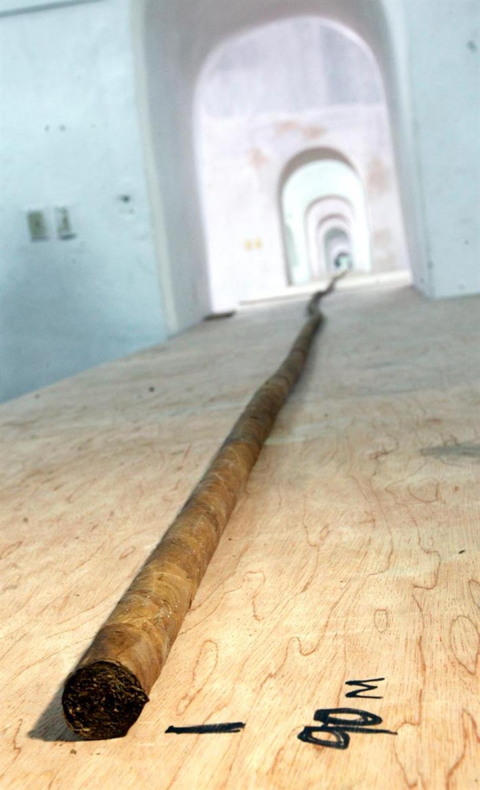 El puro mide un total de 90 metros de largo, el mismo número de la edad a la que llega el líder de la Revolución cubana. (Foto: EFE)