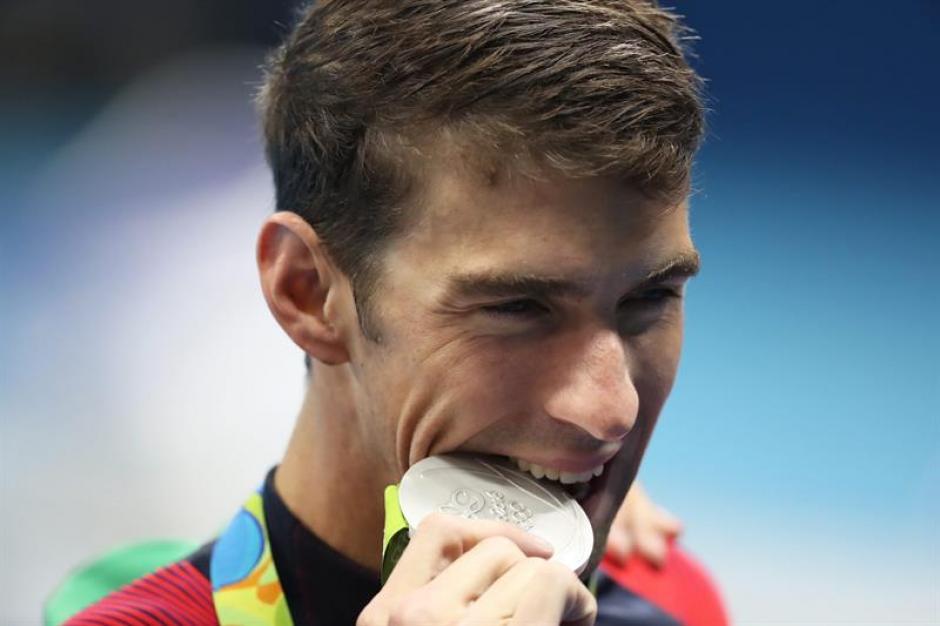 El nadador obtuvo 5 medallas de oro y una de plata en los que anunció como sus últimos juegos olímpicos. (Foto: EFE)