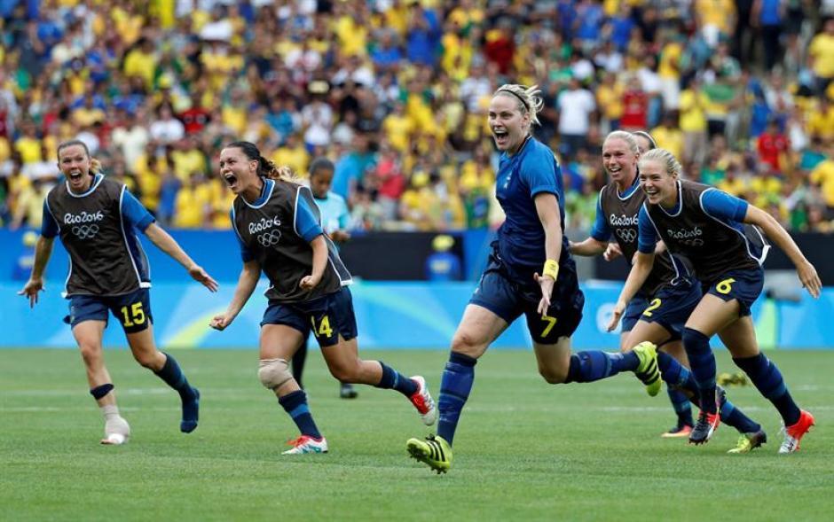 Las suecas celebran la victoria. (Foto: EFE)