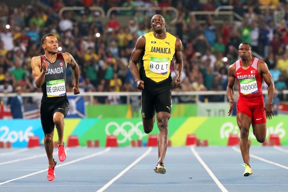Usain Bolt clasificó a la final junto con el canadiense Andre De Grasse. (Foto: EFE)