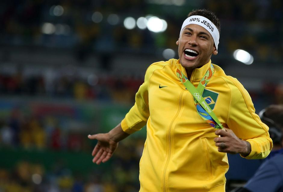 Neymar consiguió su primera medalla olímpica. (Foto: EFE)
