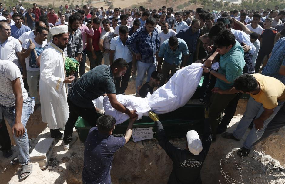 Al menos 69 personas continúan hospitalizadas, entre ellas 17 en estado crítico. (Foto: EFE)