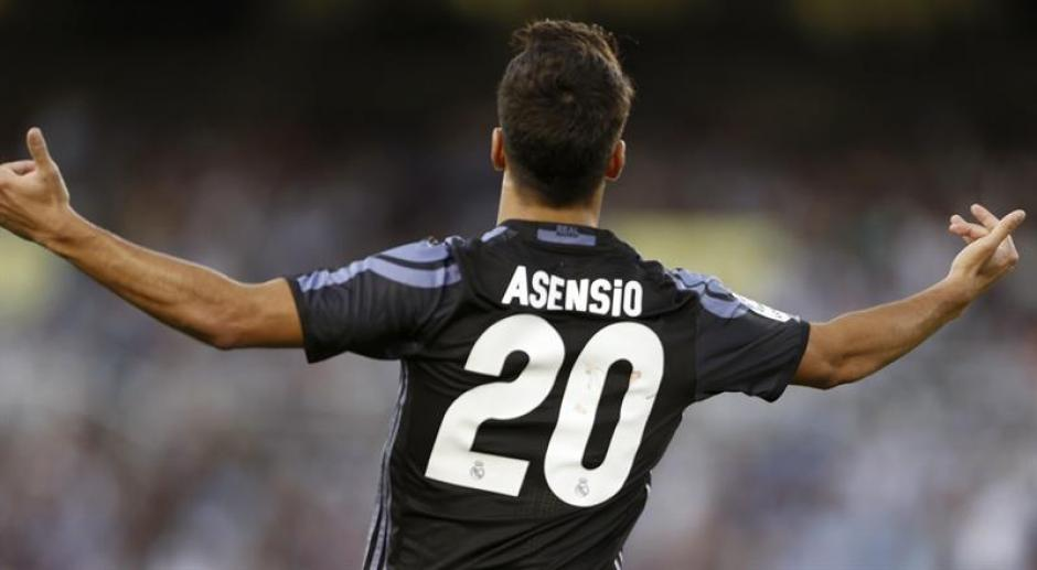 El joven Marco Asensio puso el segundo, otra vez con un golazo. (Foto: EFE)