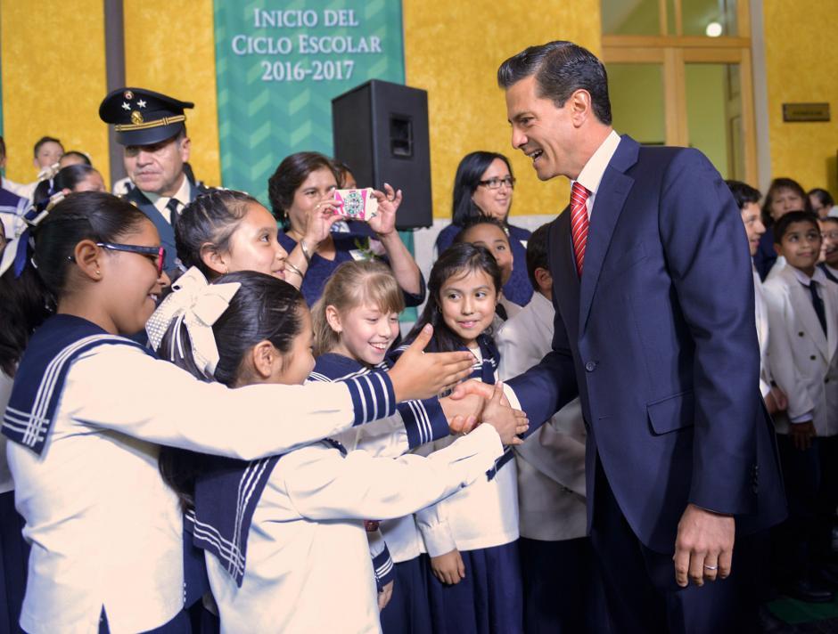 El mandatario inauguró el ciclo escolar 2016-2017. (Foto: EFE)