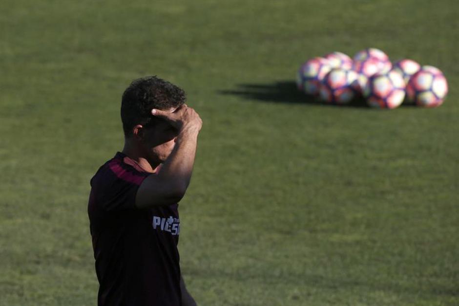 Simeone acompañó a su hijo a Italia, y le robaron 10 mil euros. (Foto: AFP)