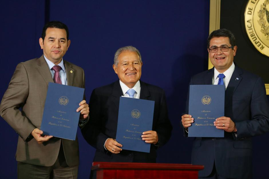 En El Salvador se llevó a cabo el acto protocolario. (Foto: EFE)