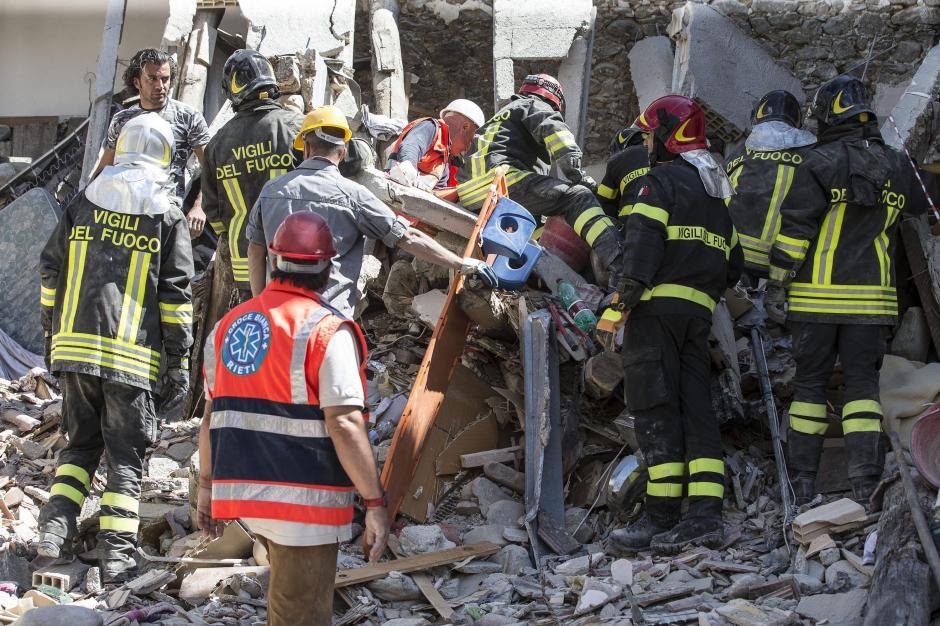 Por el momento se contabilizan 73 fallecidos y decenas de desaparecidos. (Foto: EFE)
