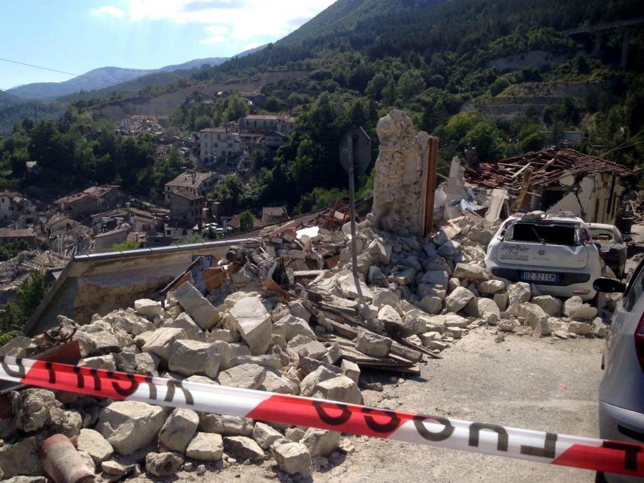 El Instituto Nacional de Geofísica y Vulcanología italiano informó que a las 12:00 horas se habían registrado al menos 59 movimientos sísmicos. (Foto: EFE)