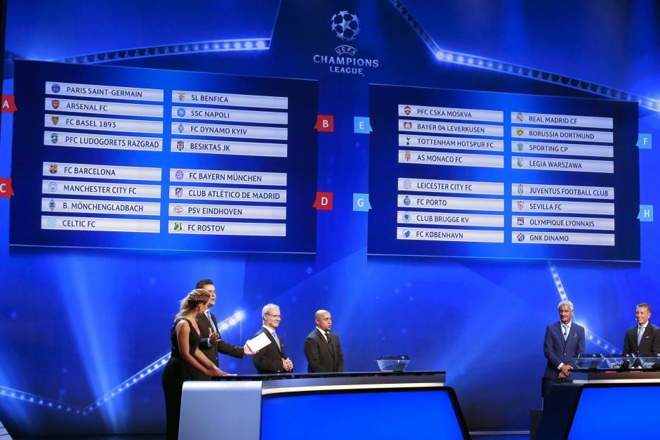 Vista de los emparejamientos del sorteo de la fase de grupos de la Liga de Campeones celebrado en el Forum Grimaldi de Mónaco. (Foto: EFE)