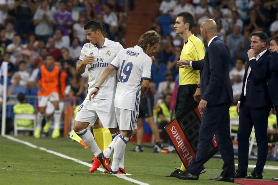 """""""Lo veo metido en el equipo, y sí se va a quedar"""", dijo Zidane. (Foto: EFE)"""