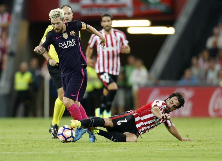 Messi condujo el juego pero Suárez falló varias ocasiones. (Foto: EFE)