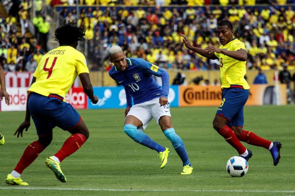 El brasileño metió el gol que abrió el marcador. (Foto: EFE)