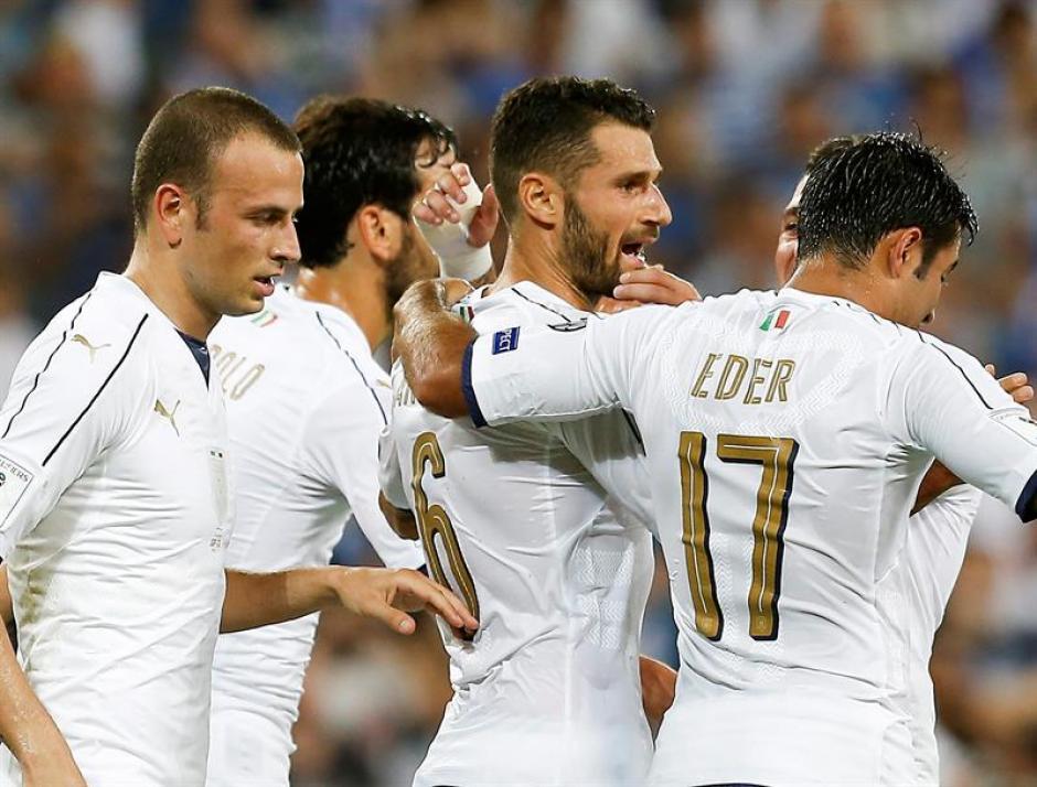 La Azzurra ganó pese a jugar con uno menos desde el minuto 55. (Foto: AFP)
