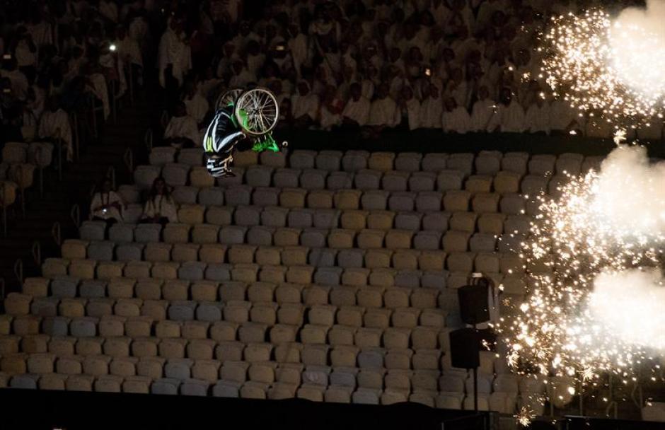 Una fiesta de luces y color en la inaguración de los Juegos Paralímpicos 2016. (Foto: EFe)