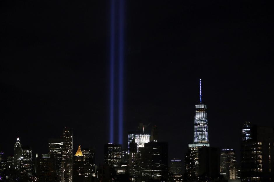 Se hizo un homenaje por los atentados del 11 de septiembre. (Foto: EFE/Jason Szenes)