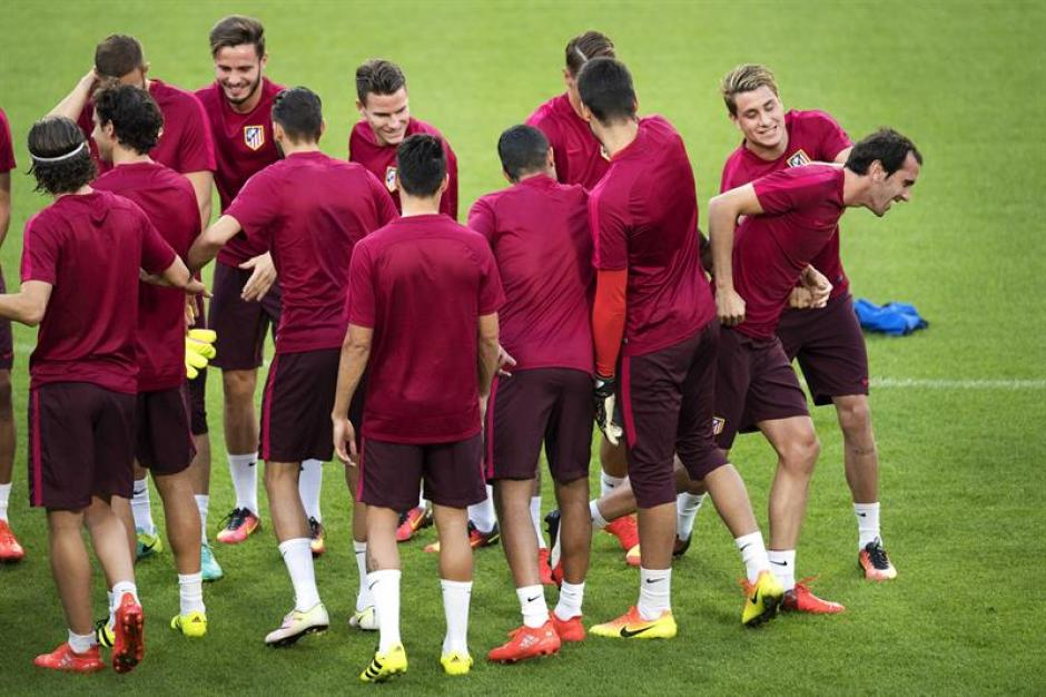 Por fortuna, los jugadores del Atlético no escucharon nada. (Foto: EFE)
