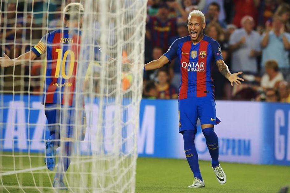"""""""Ambos están contentos en Barcelona"""", publicó The Sun. (Foto: EFE)"""