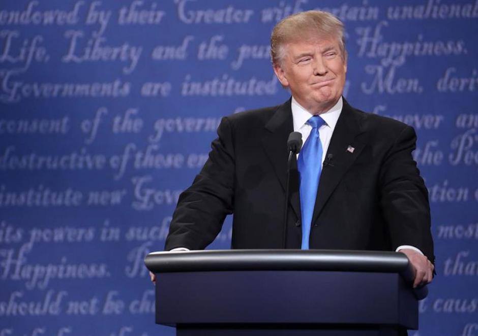 Trump señaló que a Clinton le falta fortaleza. (Foto: EFE)
